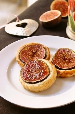 ぷちぷち食感が楽しい!旬の果物「いちじく」を使ったスイーツレシピ5選