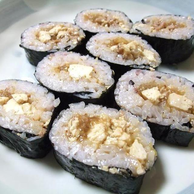 麻婆春雨豆腐と豚キムチの恵方巻きと麻婆春雨豆腐の春巻きでうちごはん(レシピ付)