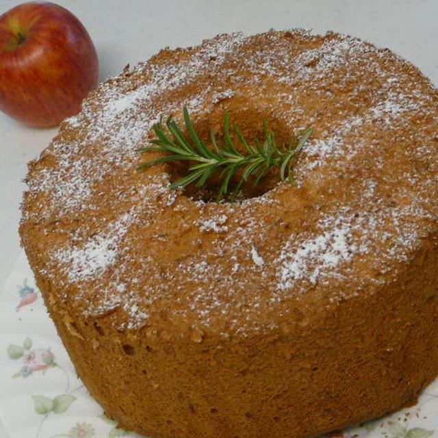 りんごのシフォンケーキ・りんご入りカスタード添え