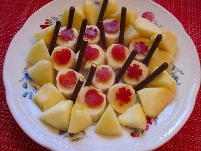 可愛くおいしく!バナナ&林檎をポッキーと♪