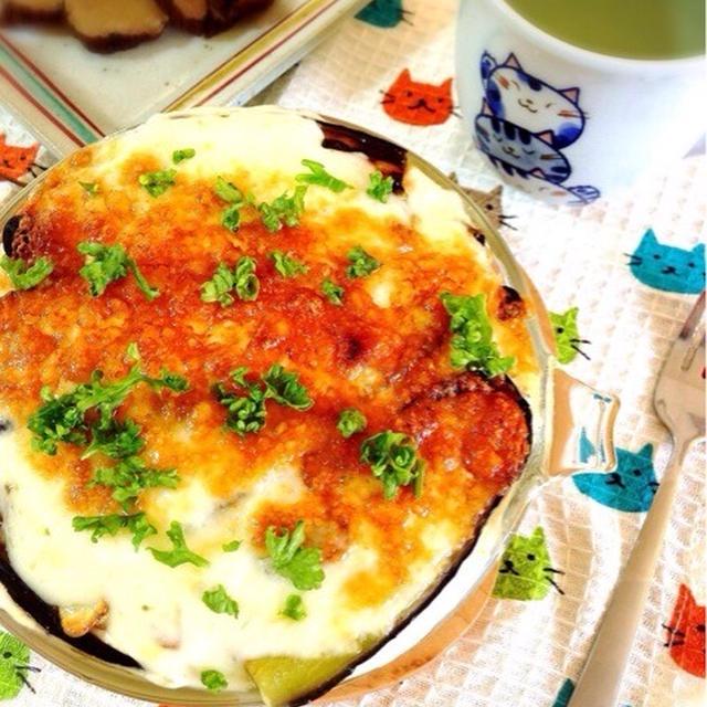 自家製オイルサーディンと野菜の重ね焼きグラタン。