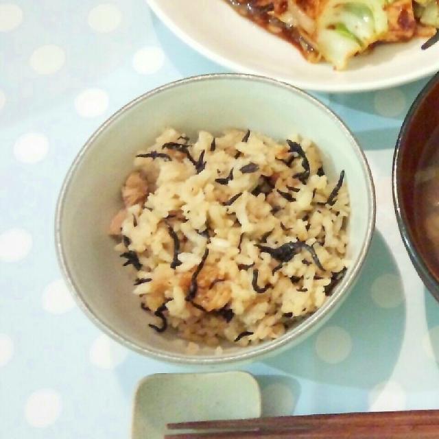 ひじきとツナの炊き込み土鍋ご飯
