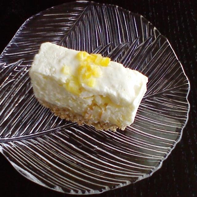 オレンジピールのレアチーズケーキ