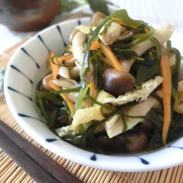 ほっとする副菜☆ 切り昆布とシメジの炒め煮