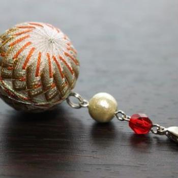 <フェリシモ>重なる絹糸のみやび ころんとかわいいちいさなてまりの会〔19.慶祝〕