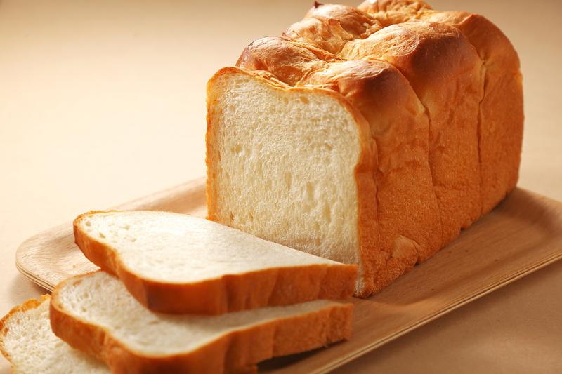 関西は厚切り、関東は薄切りってホント?今さら聞けない「食パン」の基本のき