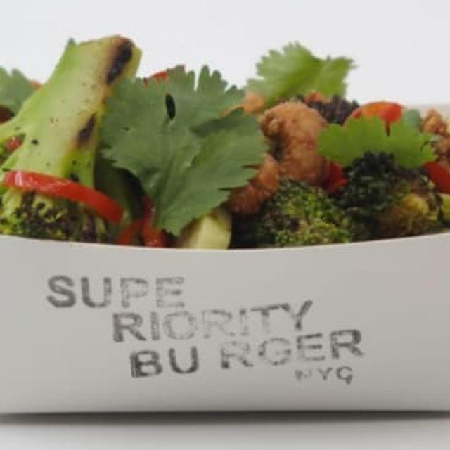 焦がしブロッコリーサラダ・Burnt Broccoli Salad