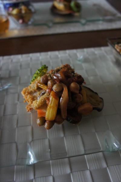 今日は創作料理。鰆のクスクス揚げ。ラタトゥユソース。 たことじゃがいもエスカルゴバター炒め。
