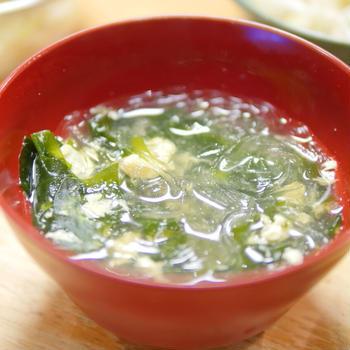 【レシピ】ささみのゆで汁で「春雨ワカメスープ」と「茹でささみ」セット完成。ヘルシー月間中