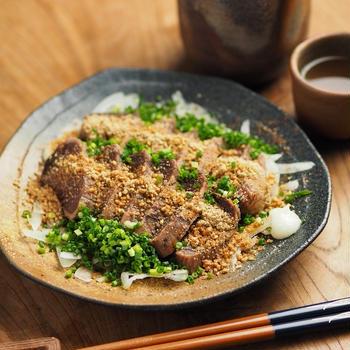 冷凍カツオのたたきの美味しい食べ方、花椒、すりごま、ラー油
