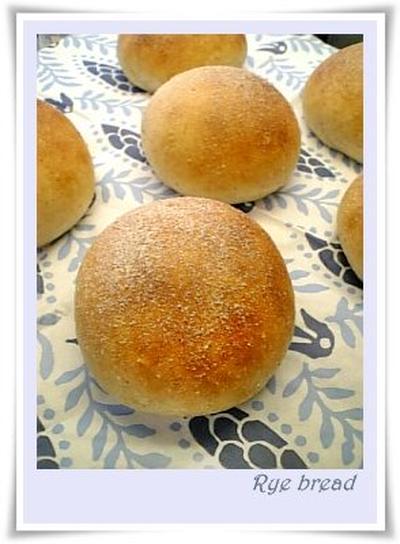 ほんのりライ麦パン
