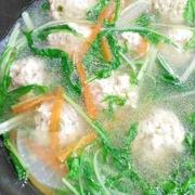 ふんわり鶏団子と野菜のジンジャーシャンタン鍋