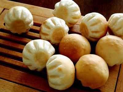 玄米粉の小さなパンと里芋のポタージュ・・にゃ♪