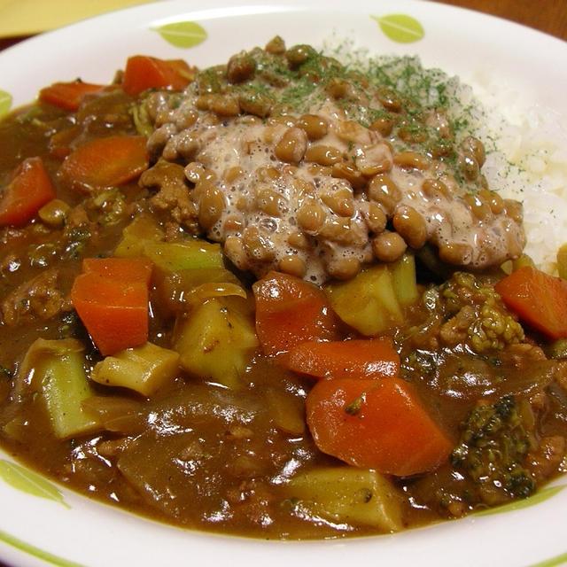 ひき肉とブロッコリーの納豆カレーライス