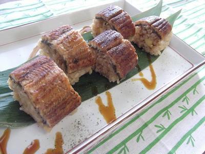 出汁巻き卵入り★鰻の棒寿司
