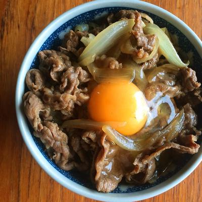 【簡単レシピ】切り落とし牛肉でも十分美味しい牛丼