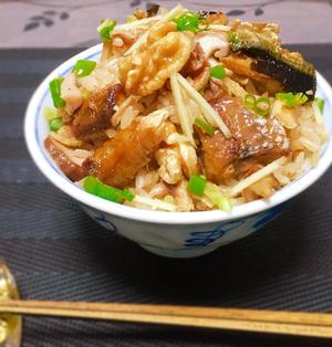 秋刀魚と胡桃ときのこの炊き込みご飯❤︎動脈硬化予防の組合せ♪