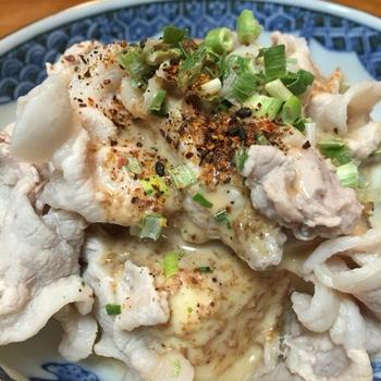 [3分料理] 豚肉と豆腐のごまドレッシングサラダ