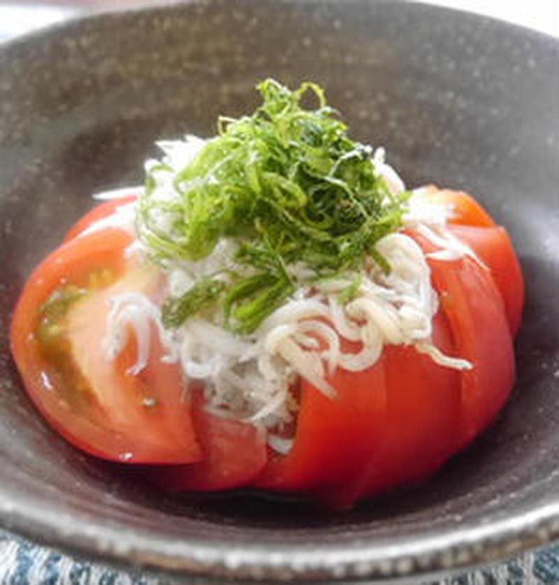 「冷やしトマト」に何かける?おすすめトッピング5選
