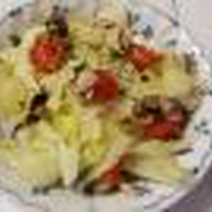 鯖の水煮缶とキャベツの和え物