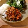 鶏ひき肉と野菜のトマト味噌チリ炒め
