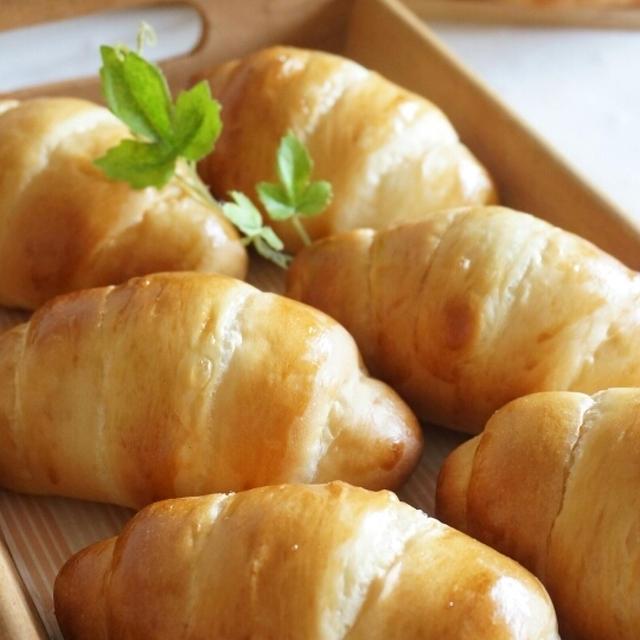 シンプルなロールパン
