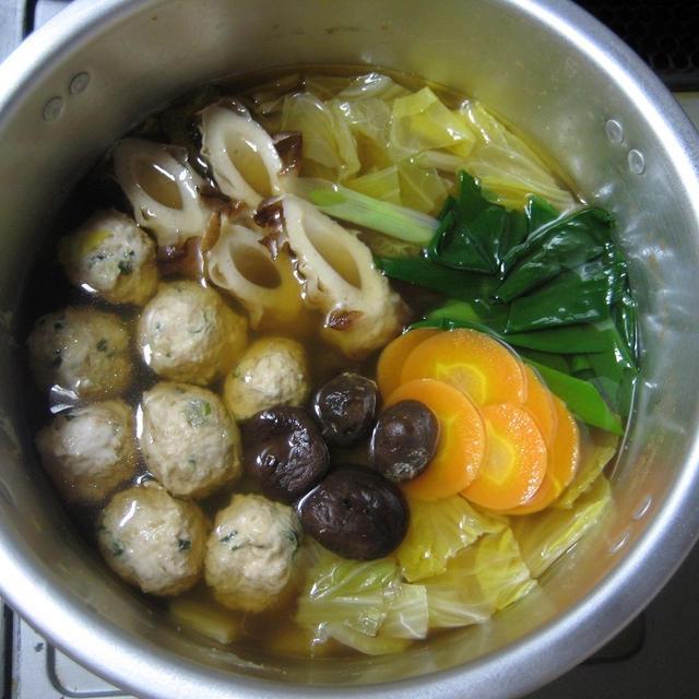 ジャガイモ入り鶏つくねを使って、寄せ鍋