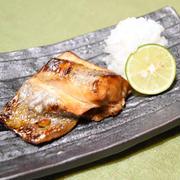 すだちで黒ムツの幽庵焼き。柑橘の香り爽やかなお魚料理。