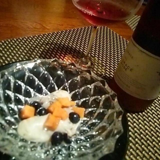 グレイスロゼと牡蠣とカベルネフランのロゼマリネ、秋刀魚とキャベツのフレッシュトマトスパゲッティー