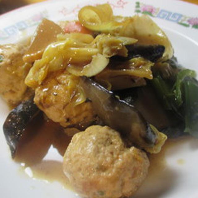 肉団子とキャベツの炒め物