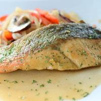 【時短レシピ】にんべんのだしの魔法「旬の鮭でビネガーソテー」