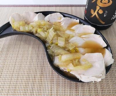 なぜか牡蠣のような風味♪茹で鶏の柚子白菜ソースがけ