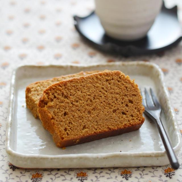 カステラ風味の黒糖米ぬかケーキ