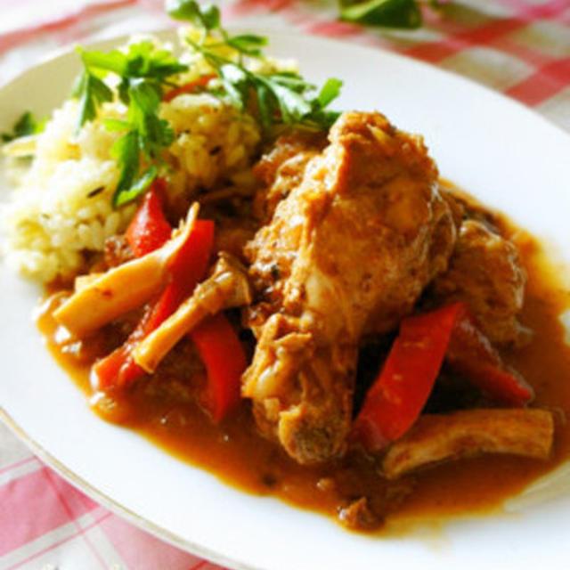スパイスが決め手☆鶏と茸のインド風カレー