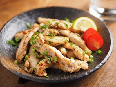 鶏むね肉のスティック塩焼き