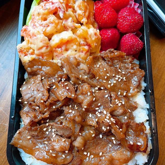 焼き肉&エビマヨ弁当です!!