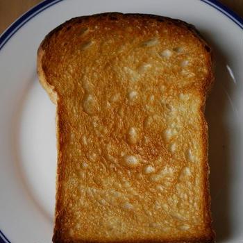 ビストロトースターでトースト。