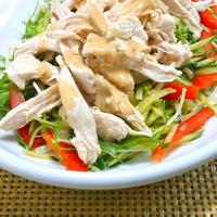 リケンのノンオイル中華ごまとヨーグルトでヘルシー&クリーミィ鶏むね肉のバンバンジー風。