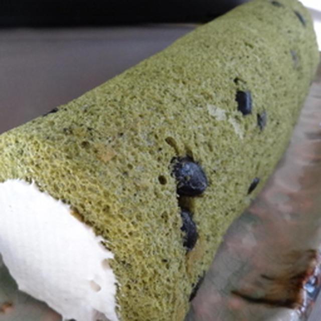 抹茶と黒豆のロールケーキと・・お知らせ。
