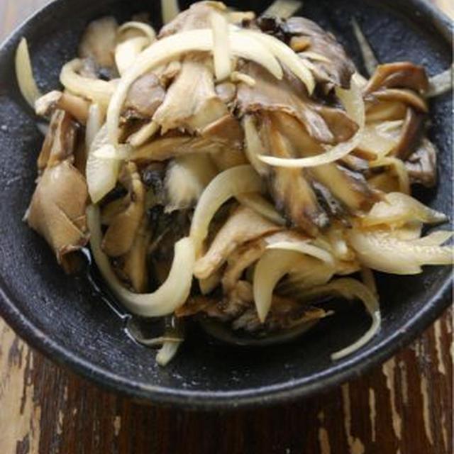 しょうゆ玉ねぎと舞茸の黒酢炒め