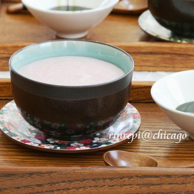こしあんの柔らかとろとろムース 抹茶ソース