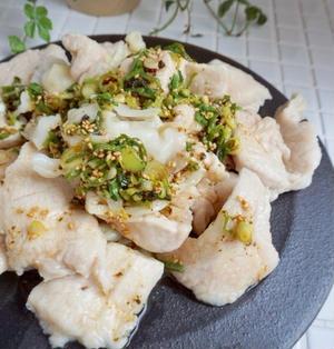 冷やして絶品!鶏むね肉とキャベツのピリ辛ネギダレ*冷やして美味しい『おかず』シリーズ5選