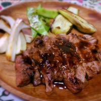 安い牛肉でも柔らかステーキ:レシピブログモニター リケンの中華ごまドレッシング