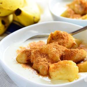 定番コンビで朝から元気に♪バナナ&ヨーグルトの朝食アイデア
