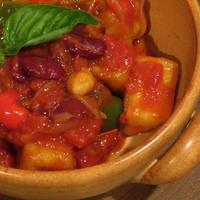 揚げ高野と豆のトマト煮