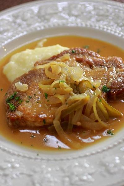 豚肉のソテー シャルキティエール