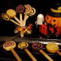 ハロウィンカラーのぐるぐるキャンディークッキー *レシピ*