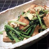 厚揚げと小松菜と卵の五香粉炒め
