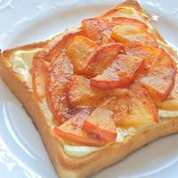 超簡単でアップルパイみたい!とってもジューシーなアップルシナモントースト。