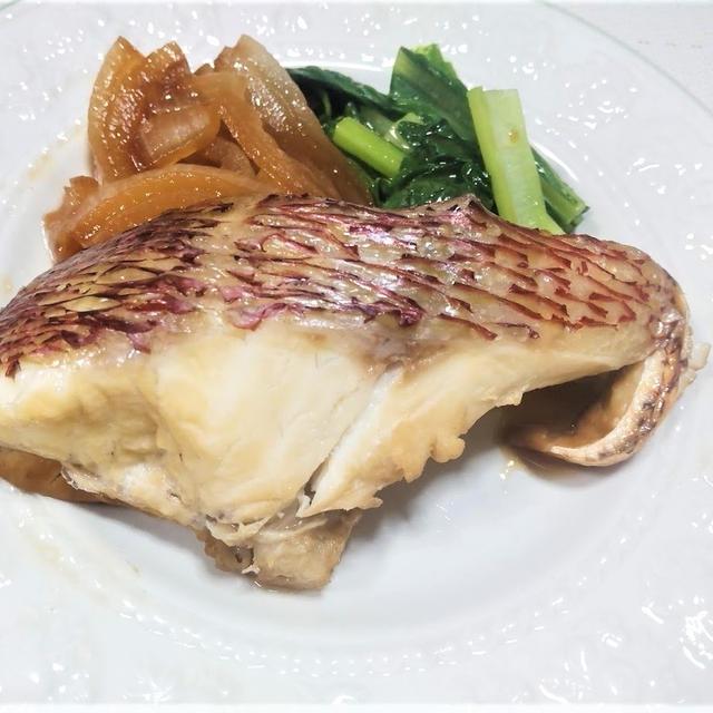 フライパンで作る『鯛と玉ねぎの漬け蒸し焼き』レシピ【夏バテ予防にはビタミンB1⑤】